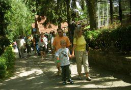 Parkanlage an der Sandsteinhöhle in Walldorf bei Meiningen