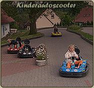 Auf dem Kinderautoscooter im Freizeitpark von Th�ringen k�nnen die Kinder schnelle Rennautos testen